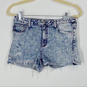 📦  Sneak Peek Acid Wash High Rise Denim Shorts